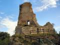 La reculée de Nacra, la fontaine de la Dhuit et les ruines du Château