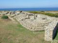Sites préhistoriques, chapelle et fontaines sur fond de mer à Plouhinec